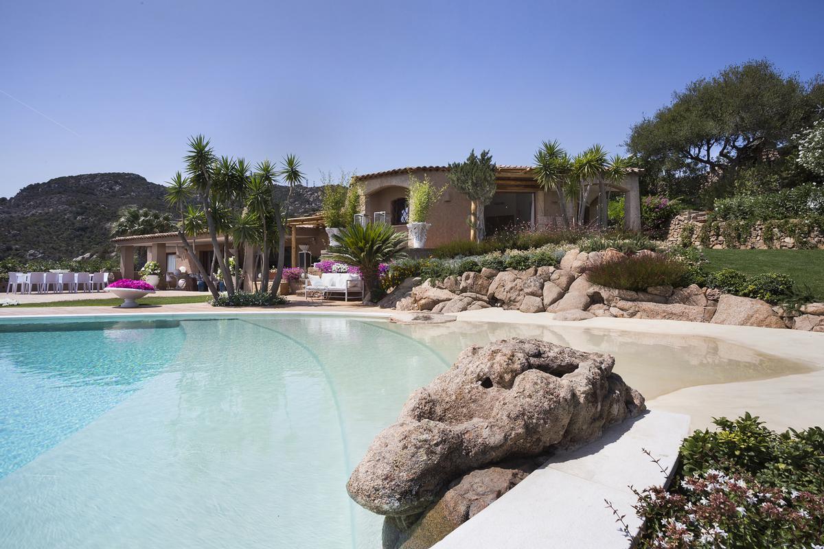 Luxury homes Villa Nibani
