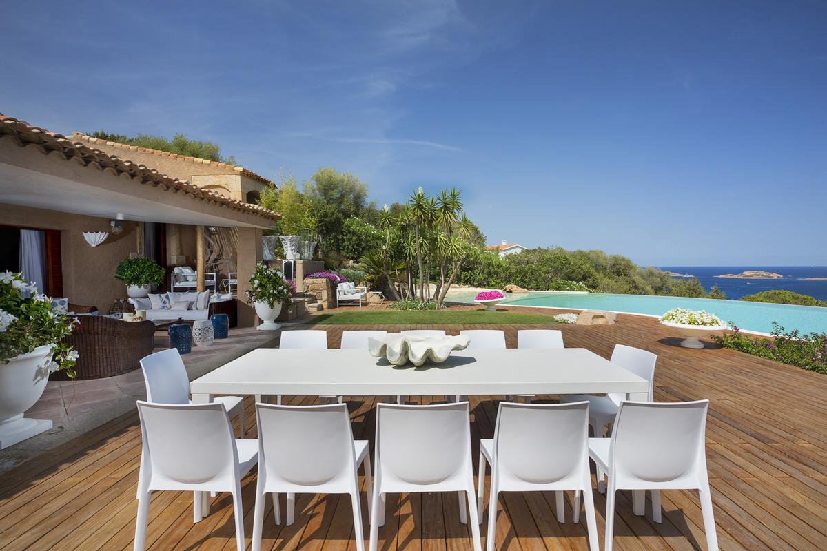 Villa Nibani luxury homes