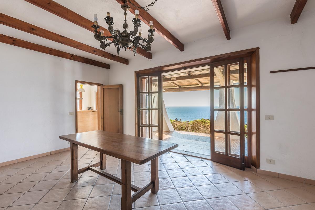 Luxury real estate Villa Karma