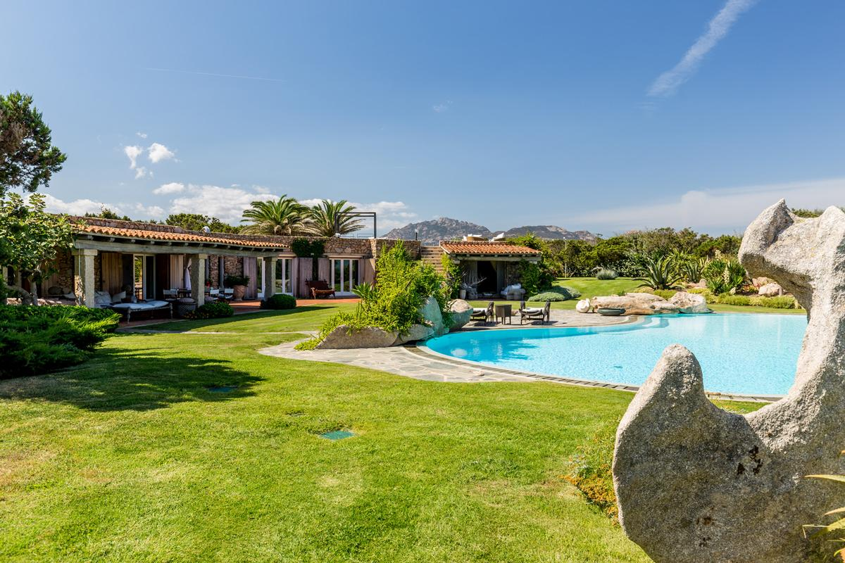 WATERFRONT VILLA GUTTUSO in Porto rotondo luxury real estate