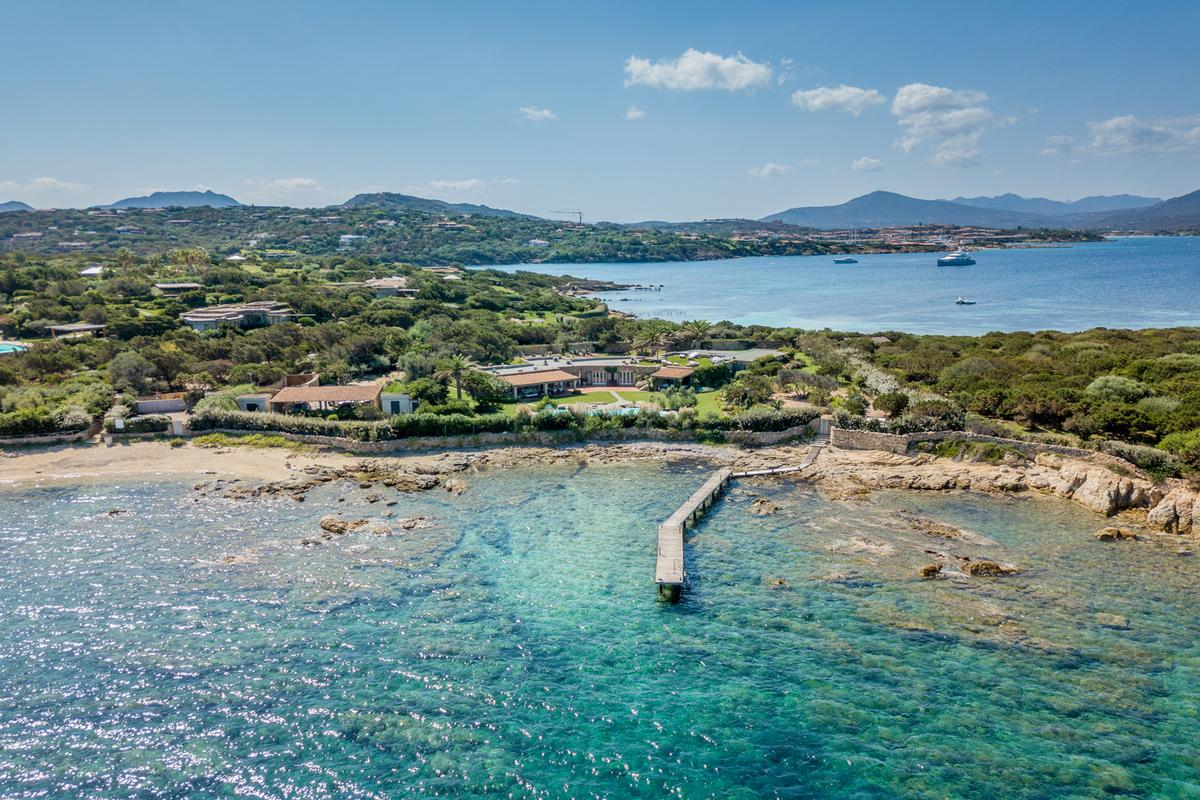 Luxury real estate WATERFRONT VILLA GUTTUSO in Porto rotondo