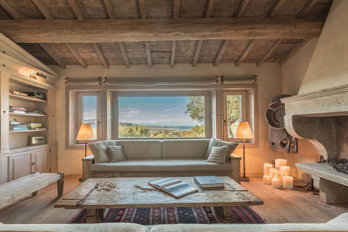Luxury homes in La Garibaldina