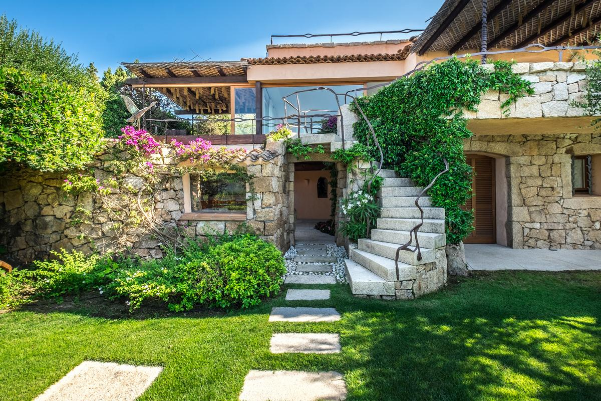 Villa Ortensia luxury real estate