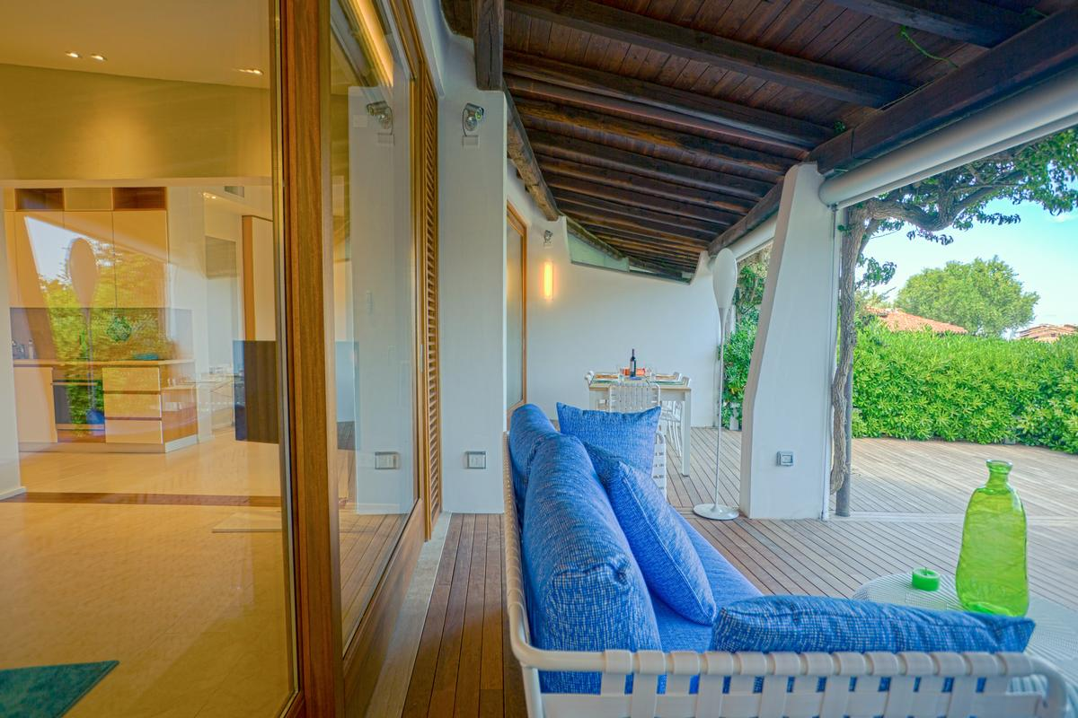 Villa with Wide Outdoor Living spaces luxury homes