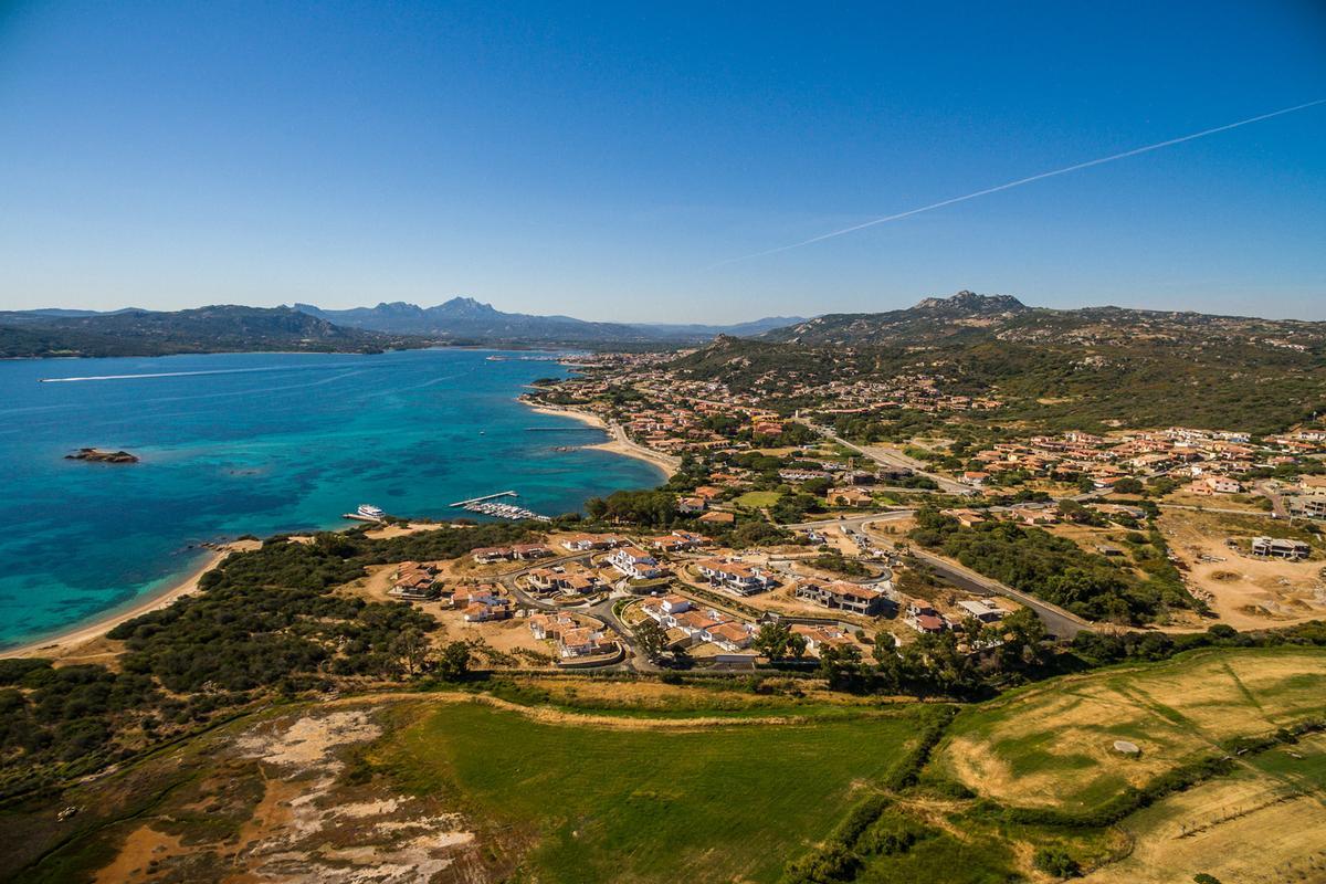 Luxury properties Beautiful Seafront Villa