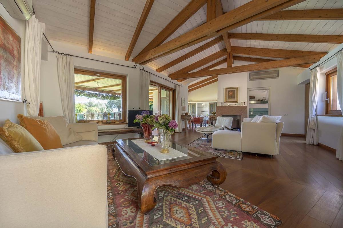 Luxury properties Villa Aldia
