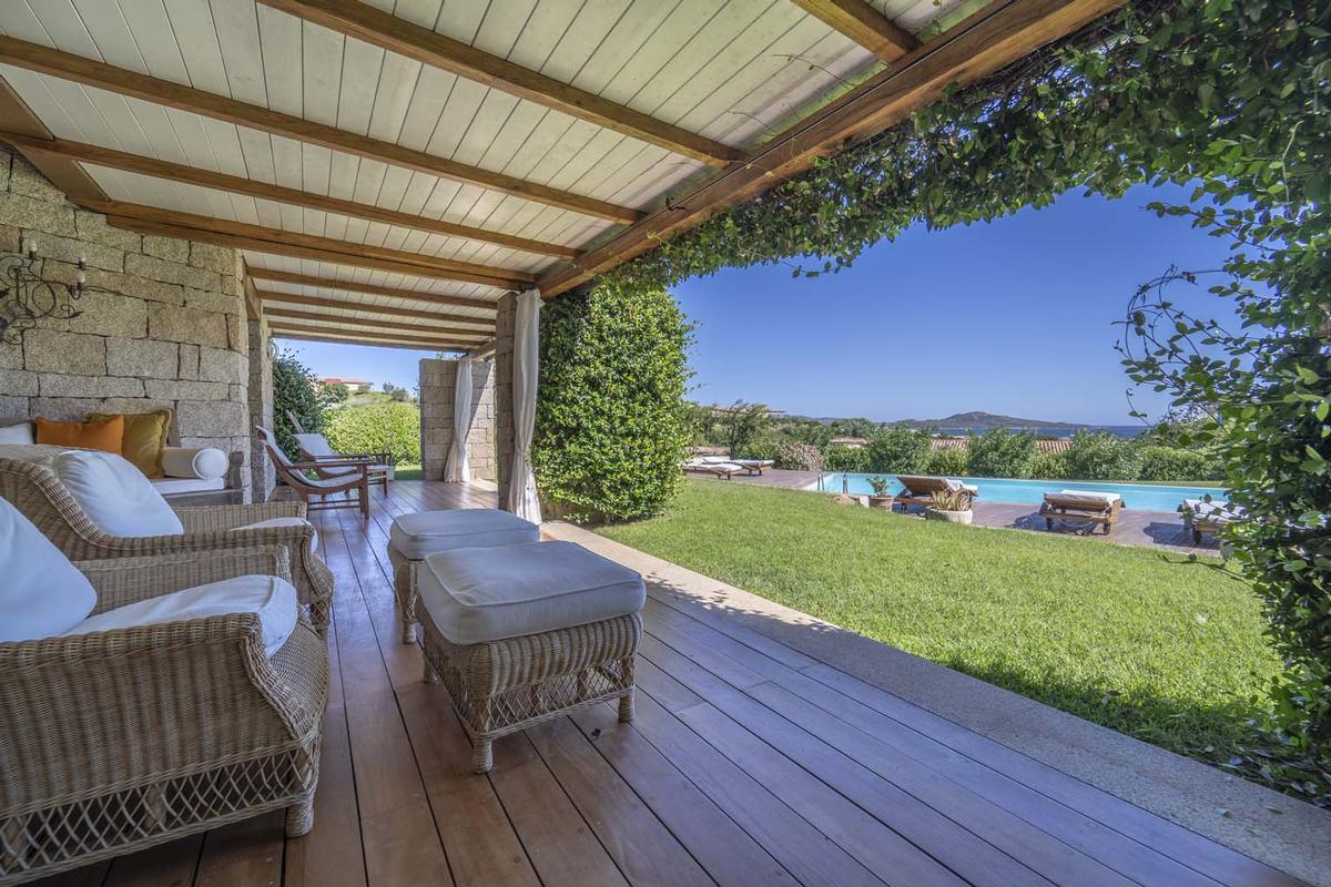 Luxury homes in Villa Aldia