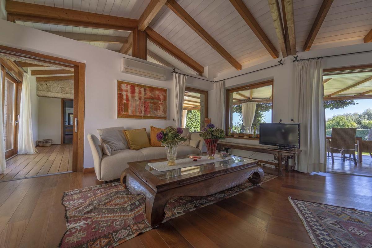 Villa Aldia luxury properties