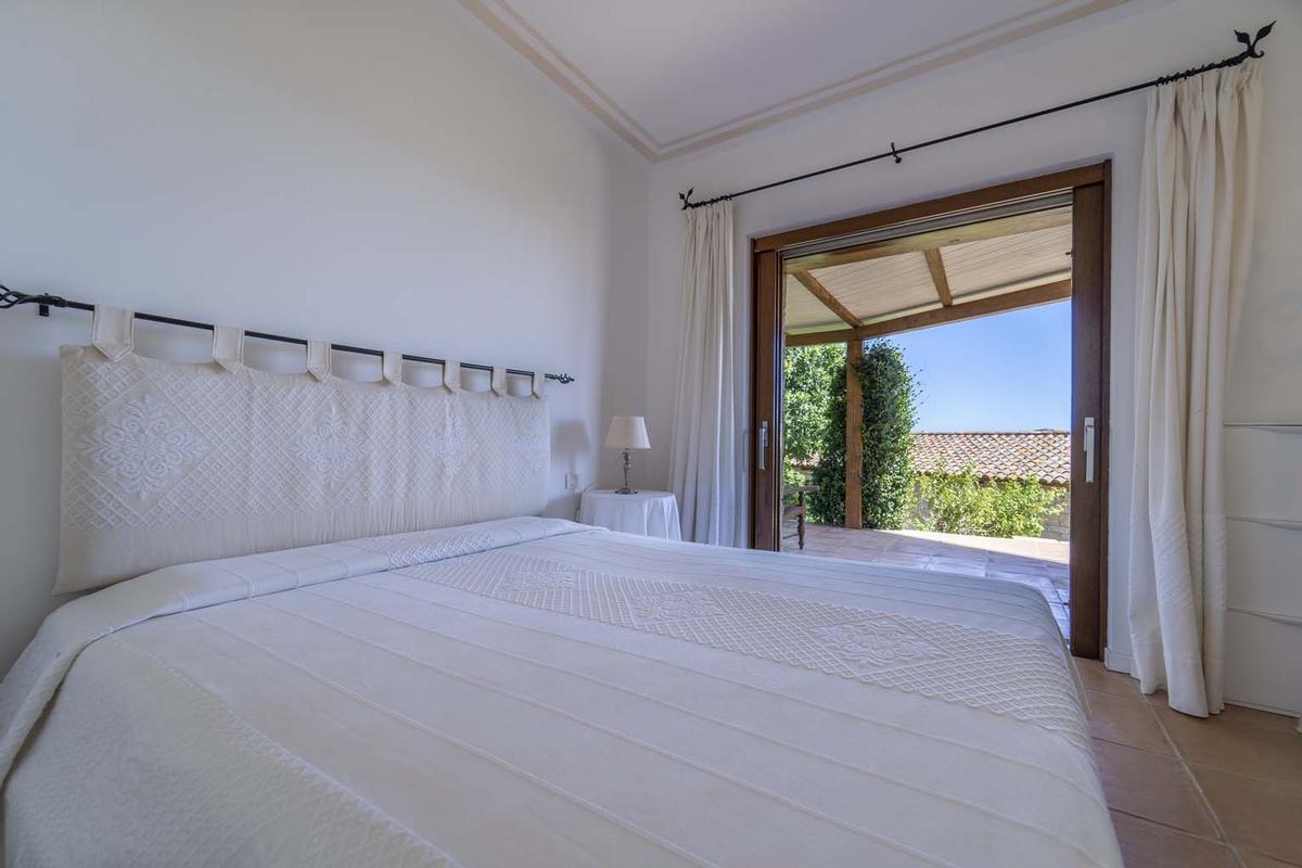 Mansions in Villa Aldia