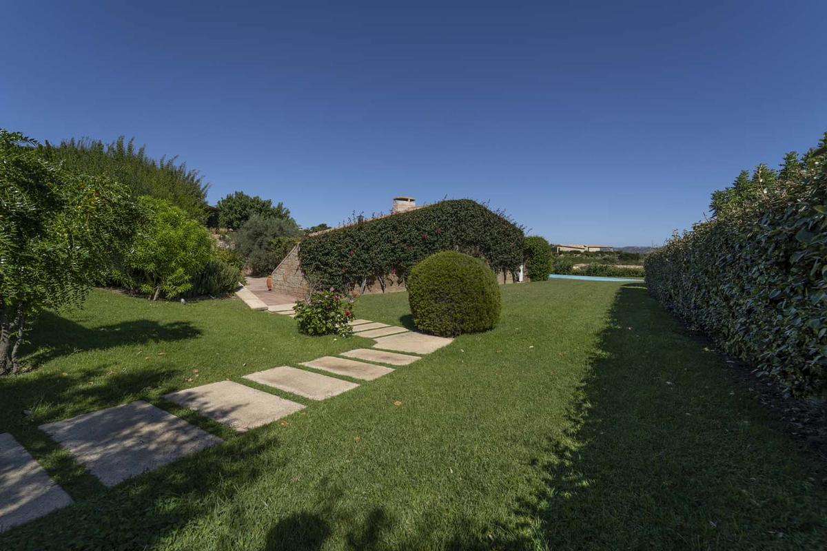 Mansions Villa Aldia