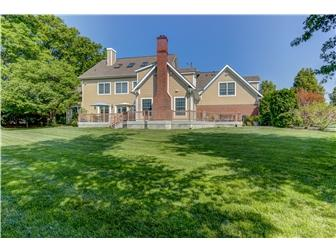 Elegant Style in Sedgely Farms mansions