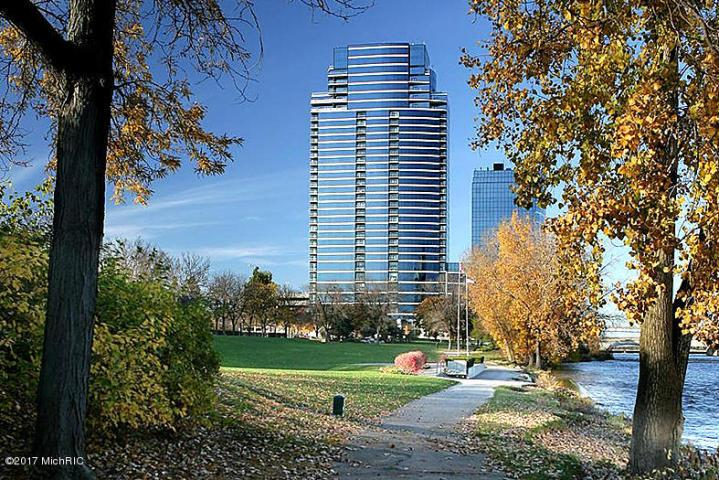 Luxury properties 30th Floor High Rise Overlooking Grand River