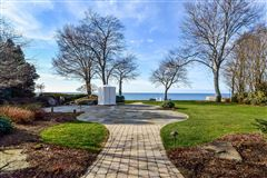 Luxury real estate Magnificent lakefront estate with over 17,000 square feet