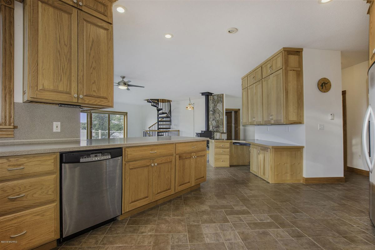 Mansions in custom built home offers a spacious open floor plan