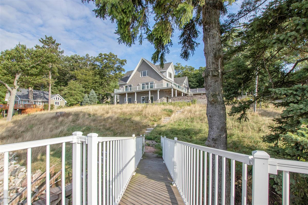 Luxury homes custom built home offers a spacious open floor plan