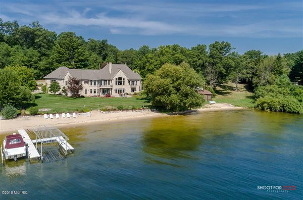 Luxury homes Private White Lake Frontage - Lake Michigan Access