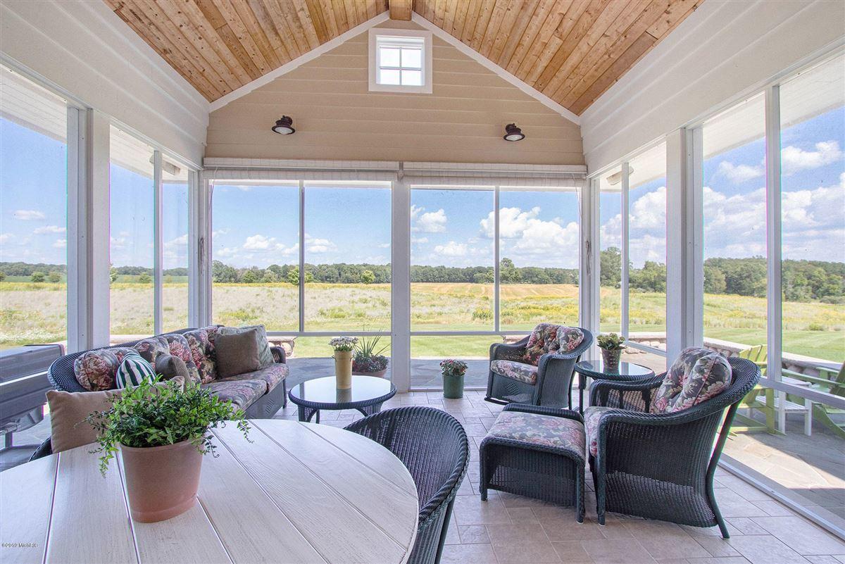 Luxury properties Welcome to Honey Creek Farm