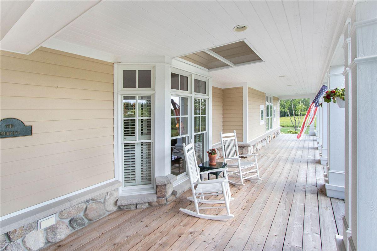 Luxury homes Welcome to Honey Creek Farm