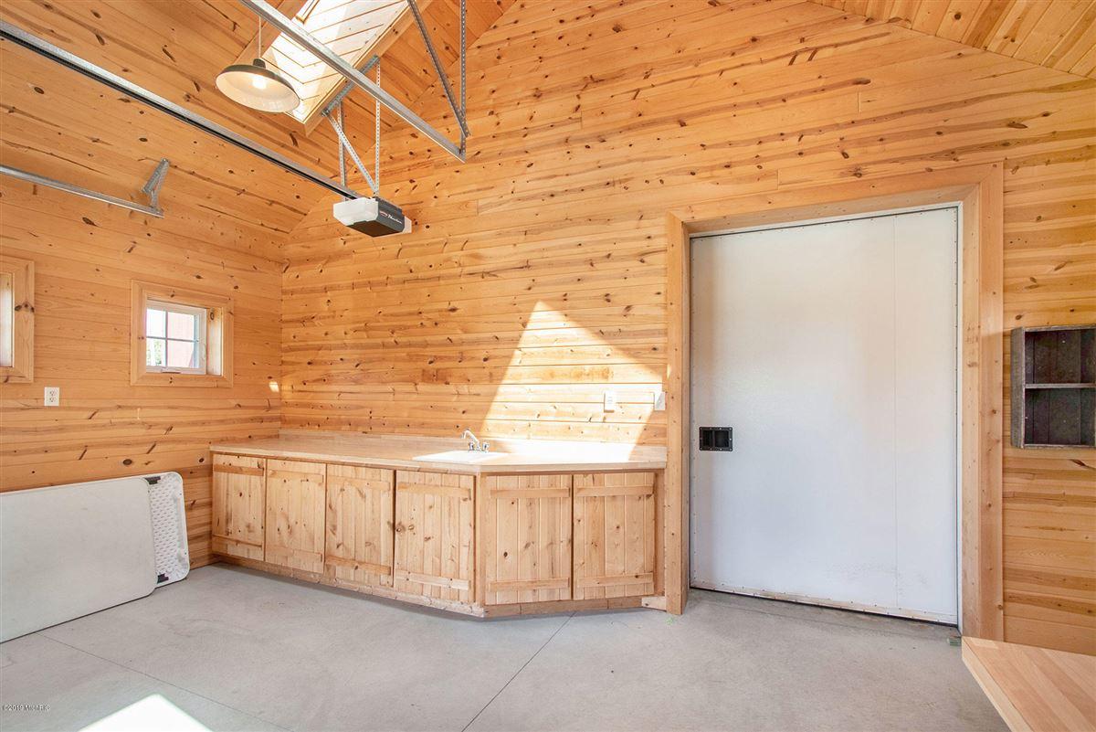 Welcome to Honey Creek Farm luxury homes