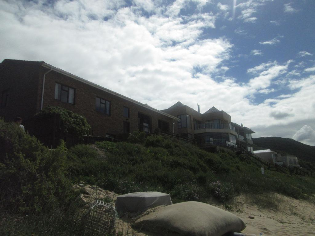 Mansions in Buffalo Bay Beachfront property