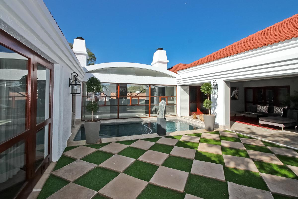 Luxury properties Palatial Decadence