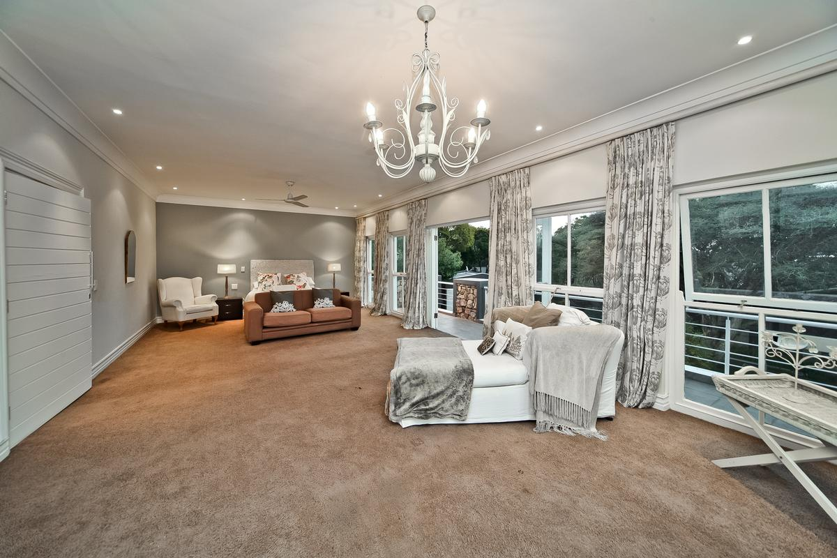Luxury real estate Magnificent home in Bryanston