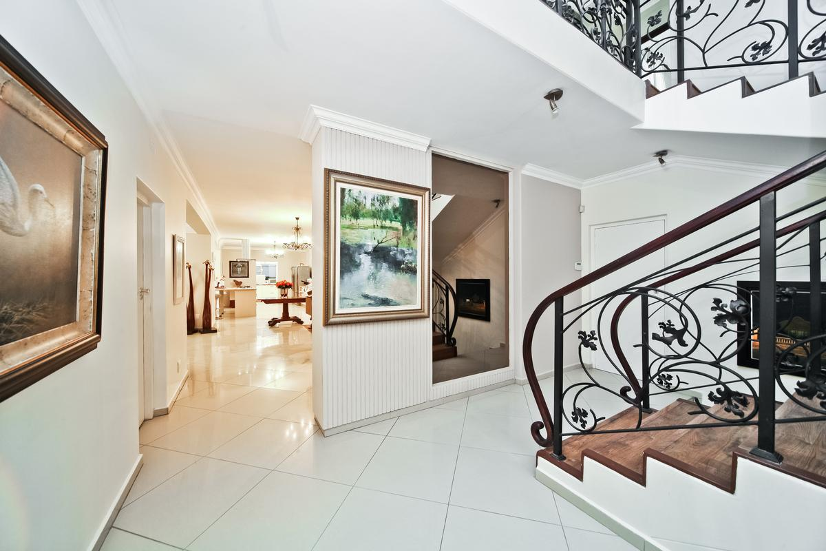 Atholl Family home luxury real estate