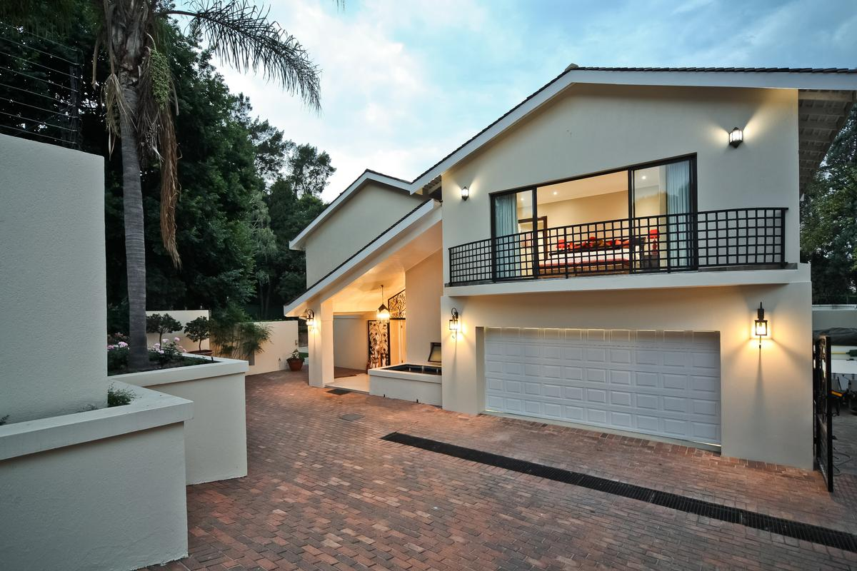 Luxury properties Atholl Family home