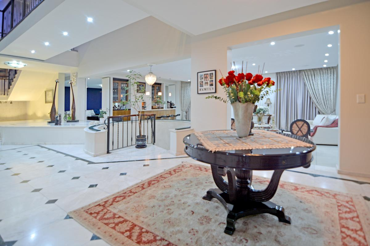 A sophisticated timeless design luxury homes