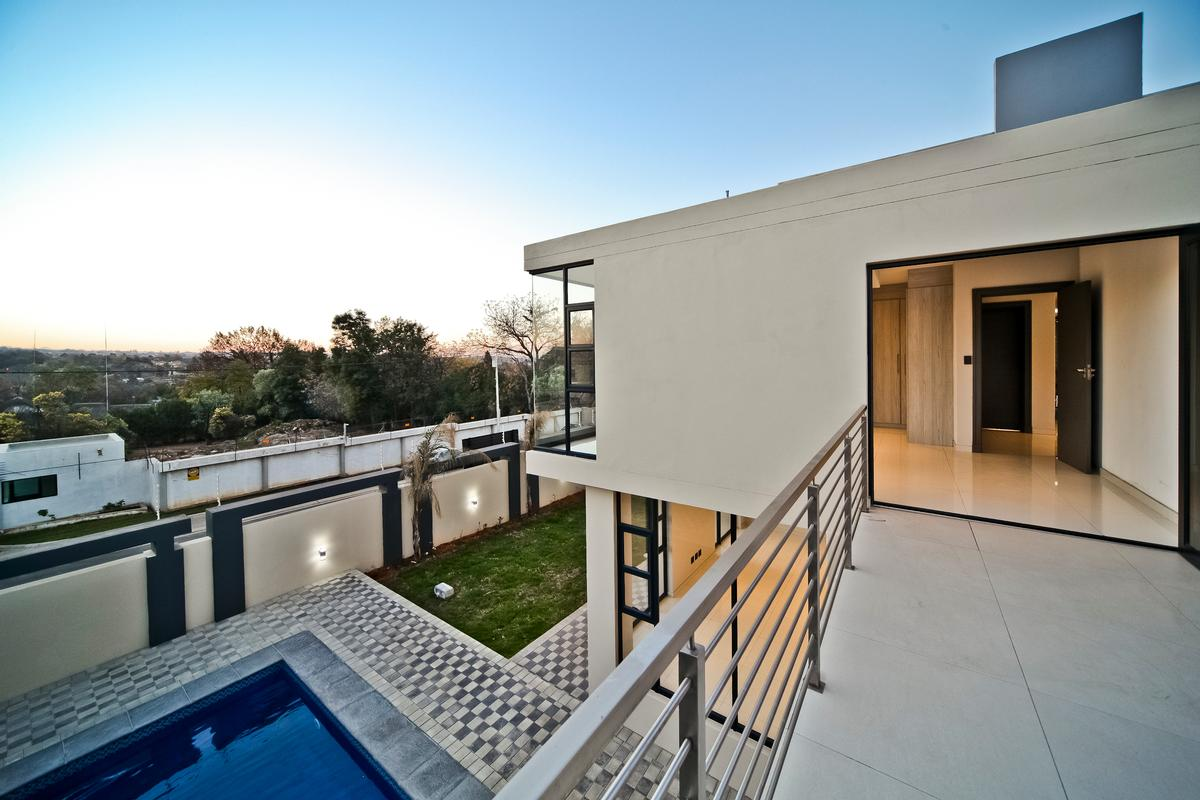 Luxury properties One of a kind - Brand new modern home