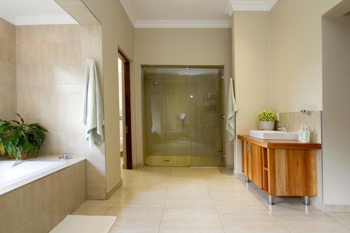 Luxury real estate 4 Bedroom house for sale in Muldersdrift
