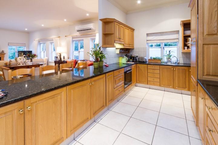 Upmarket secure living in Steenberg Golf Estate mansions