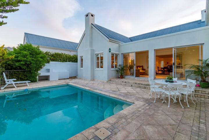 Luxury homes in Upmarket secure living in Steenberg Golf Estate