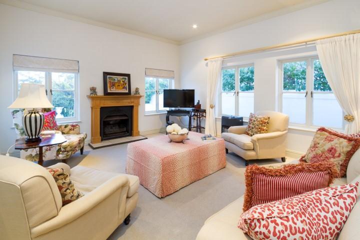 Upmarket secure living in Steenberg Golf Estate luxury homes
