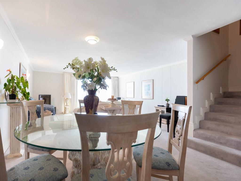 Cosmopolitan Clifton luxury homes