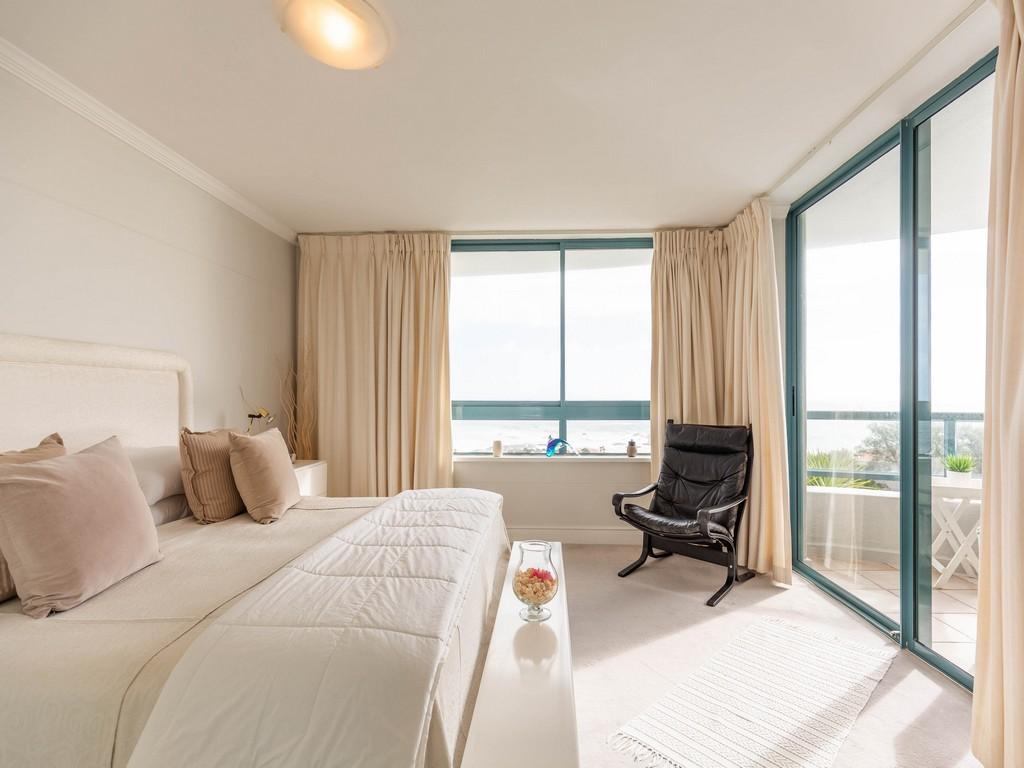 Cosmopolitan Clifton luxury real estate