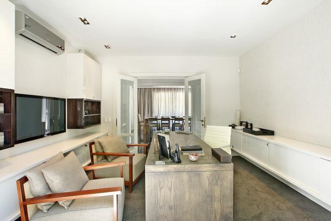 Luxury homes CONTEMPORARY MASTERPIECE