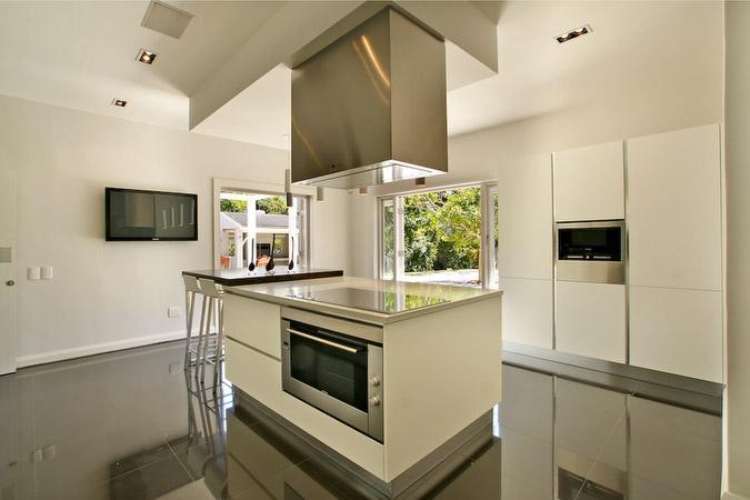 CONTEMPORARY MASTERPIECE luxury homes