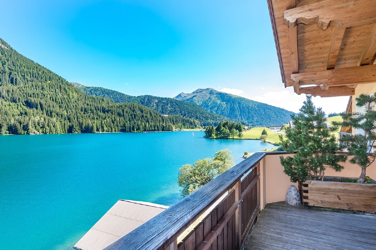 distinctly special apartment on Lake Davos luxury homes