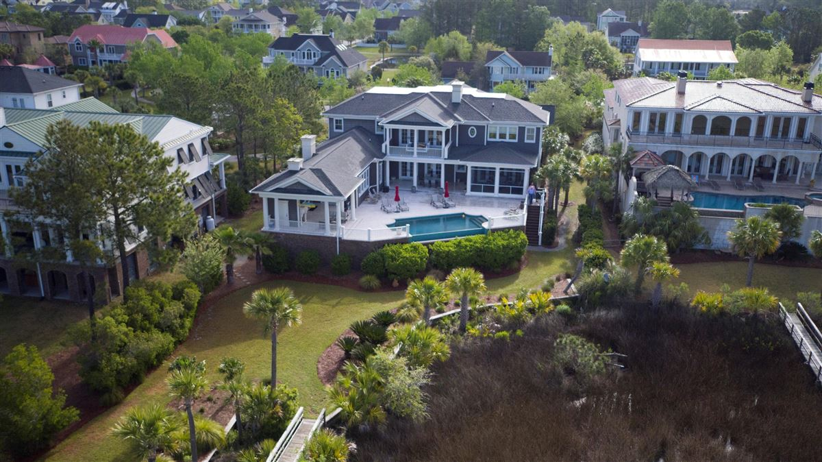 meticulously-kept luxurious waterfront estate luxury properties
