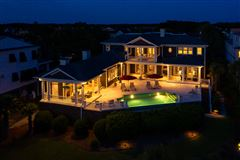 meticulously-kept luxurious waterfront estate luxury homes