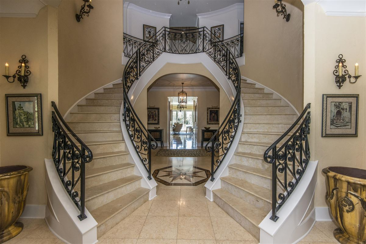 luxurious Lowcountry living in Beresford Hall luxury real estate