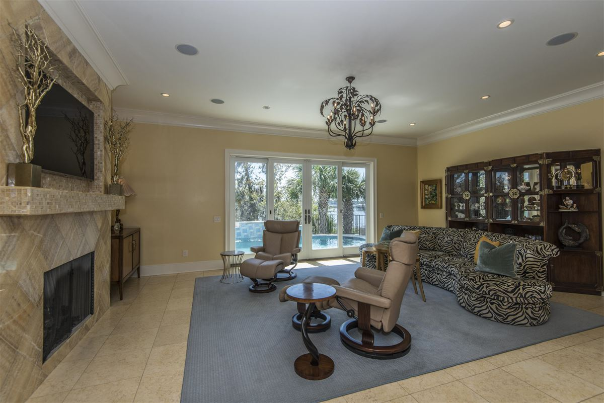 Luxury real estate luxurious Lowcountry living in Beresford Hall