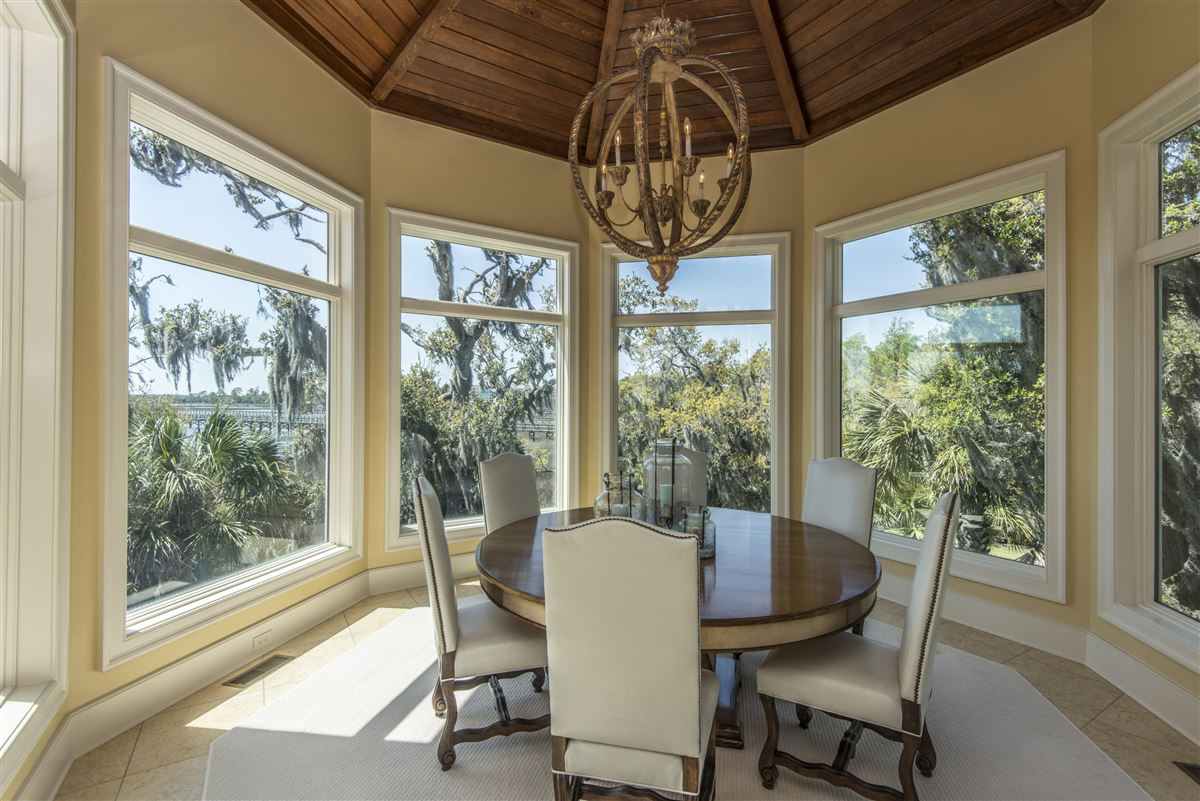 Luxury homes luxurious Lowcountry living in Beresford Hall