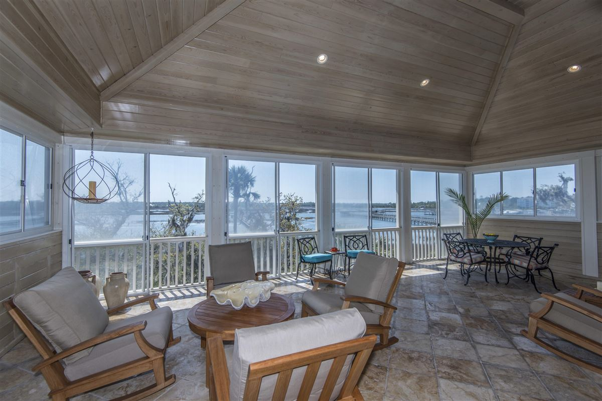 luxurious Lowcountry living in Beresford Hall luxury properties