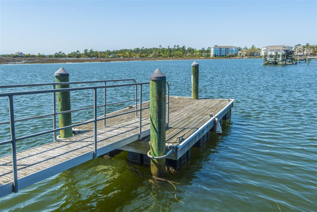 luxurious Lowcountry living in Beresford Hall luxury homes