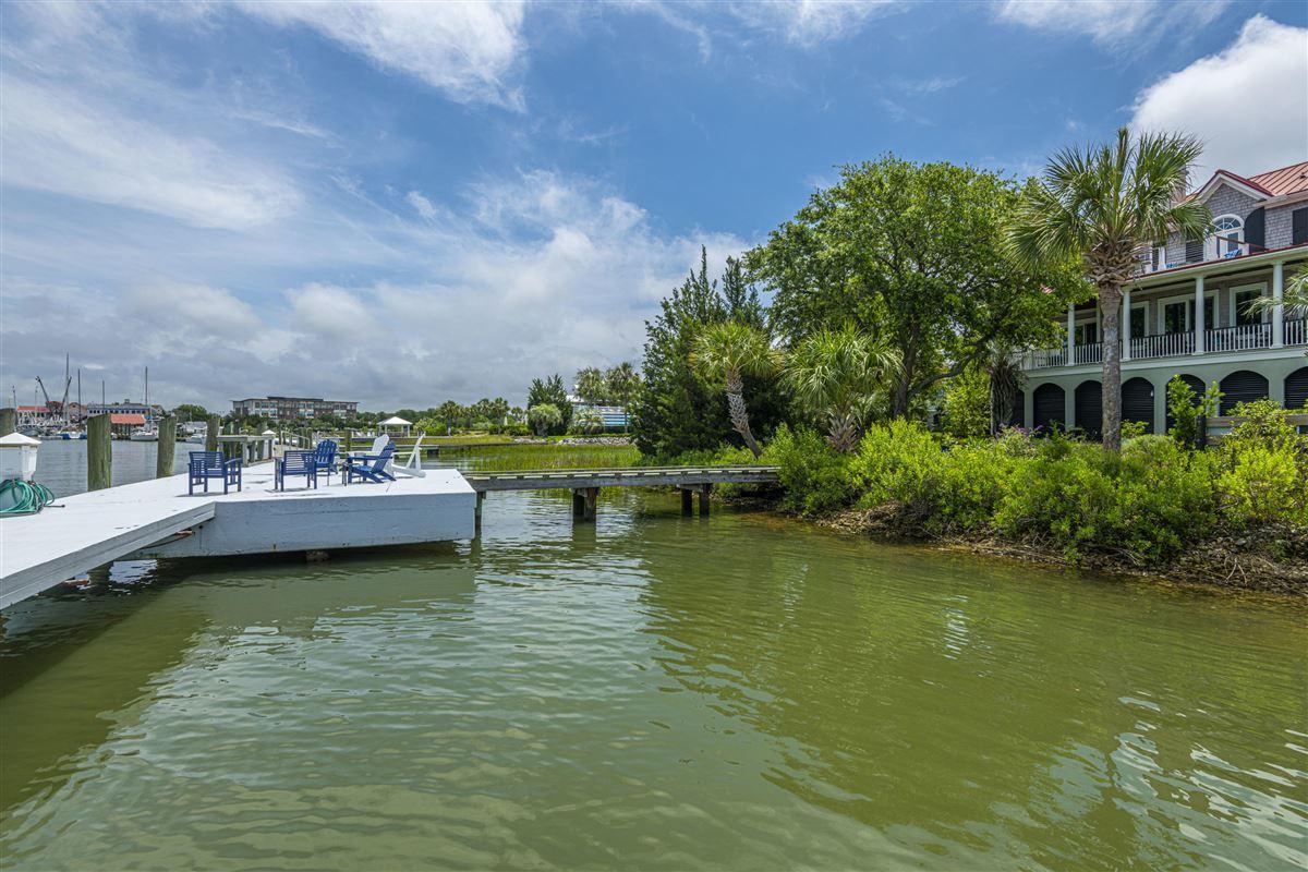 Luxury homes in Incredible deep-water Lowcountry home