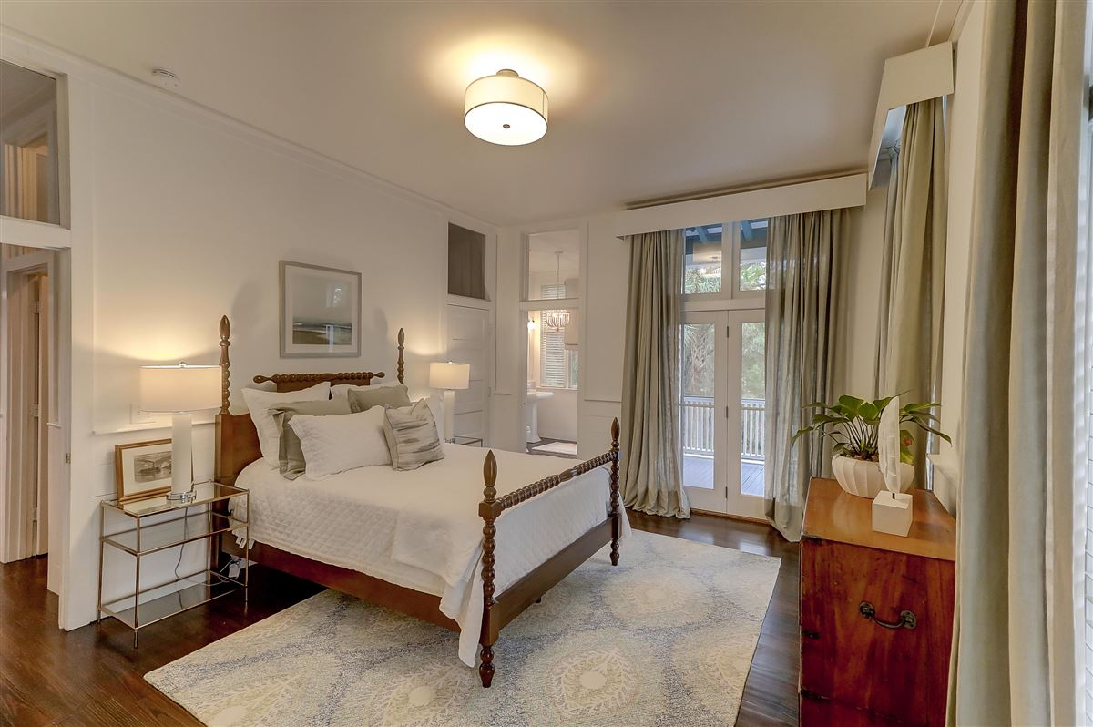 Luxury homes spectacular plantation style retreat