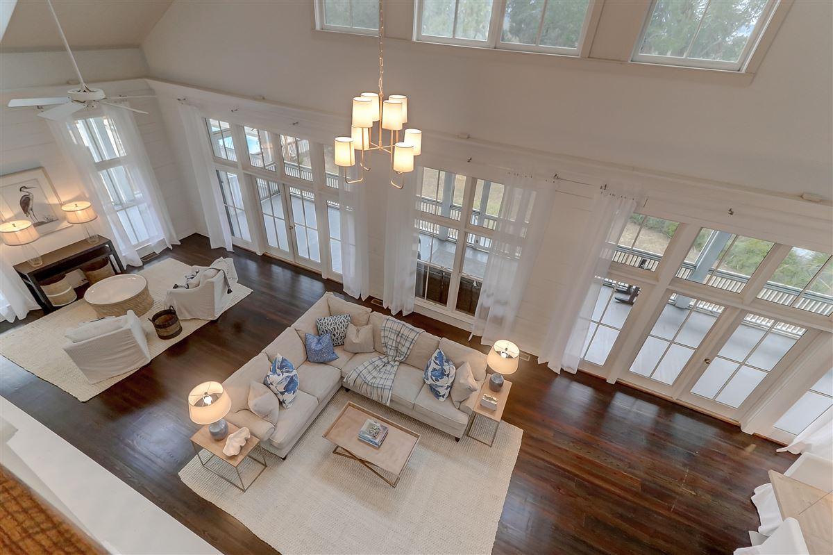 Luxury real estate spectacular plantation style retreat