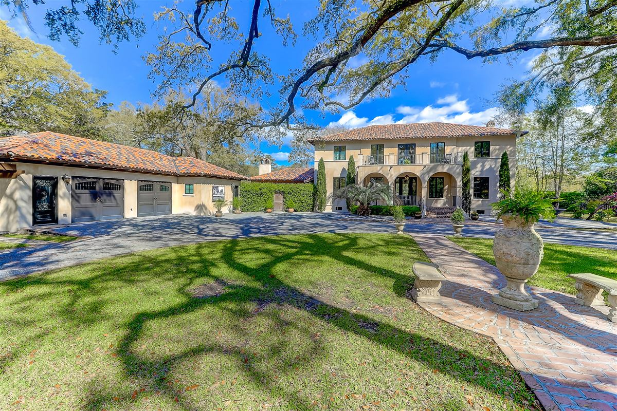 Luxury homes Waterfront estate home